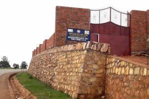Muro in corrispondenza dell'ingresso