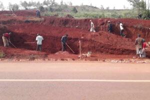 Lavori di scavo eseguiti anche a mano